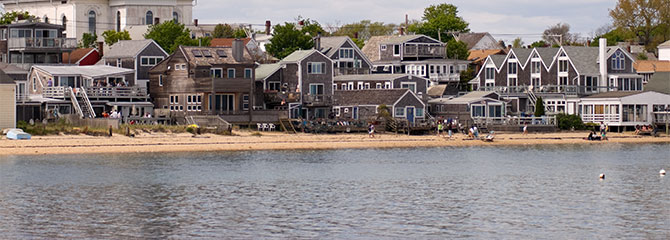homes on the shore