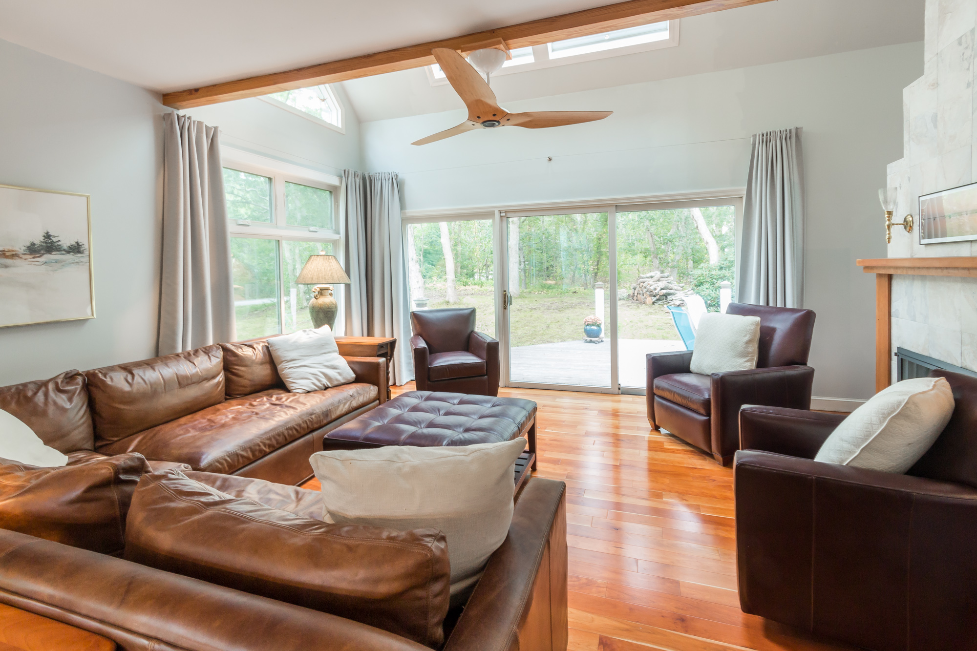 29 Bayes Hill Rd - living room