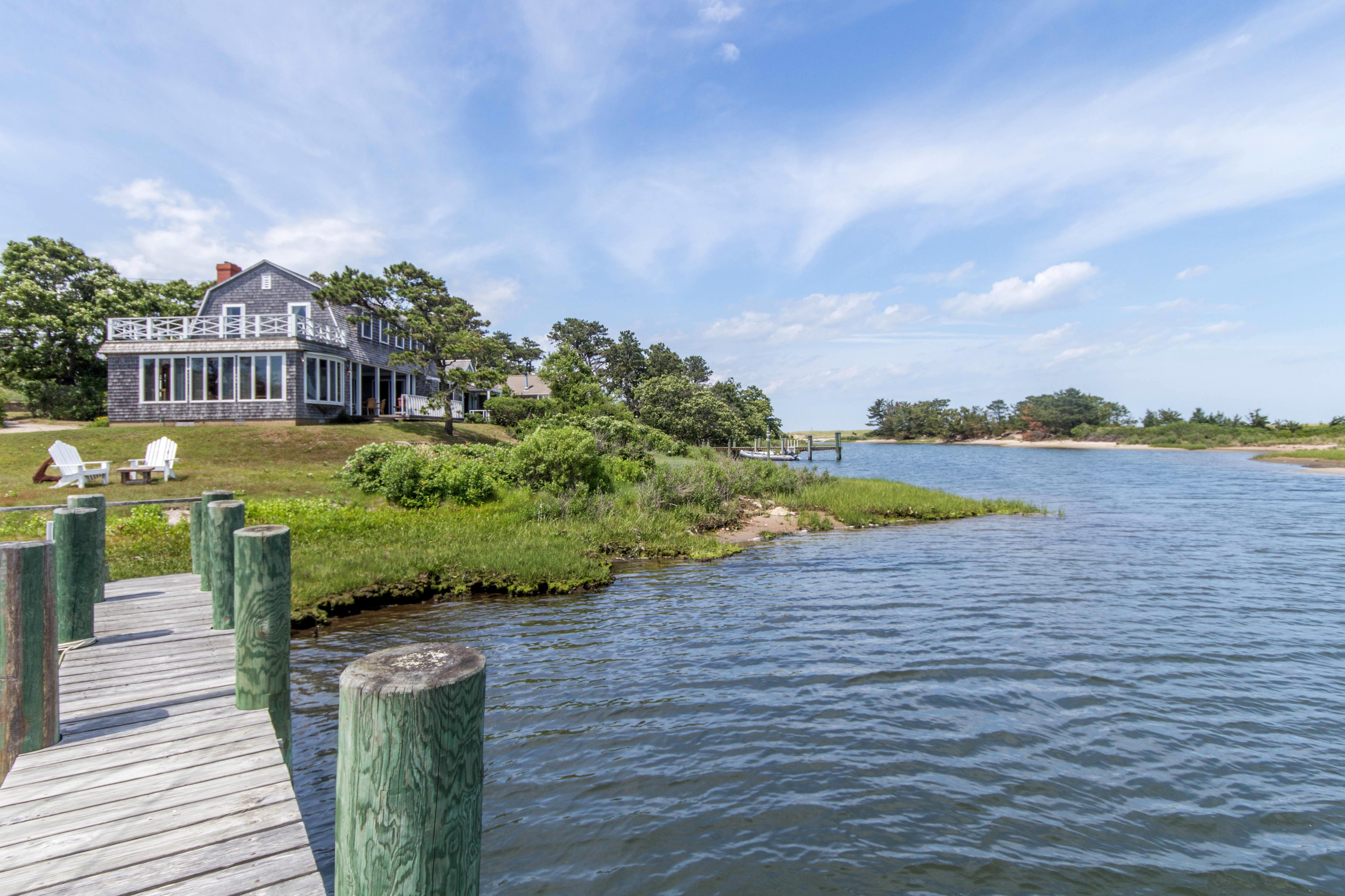 Martha's Vineyard Waterfront Luxury Homes