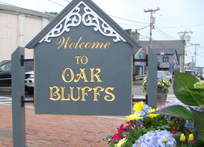 oak_bluffs_welcome_sign