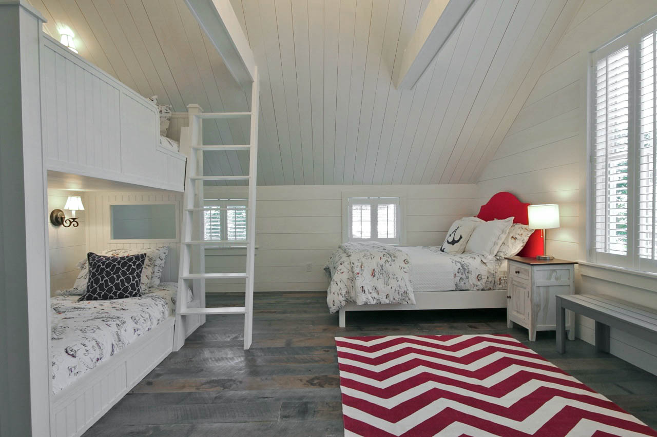 Carriage House Bedroom 1-1