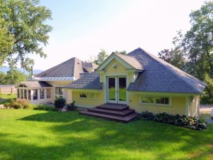 Stylish Bungalow in Williamstown MA