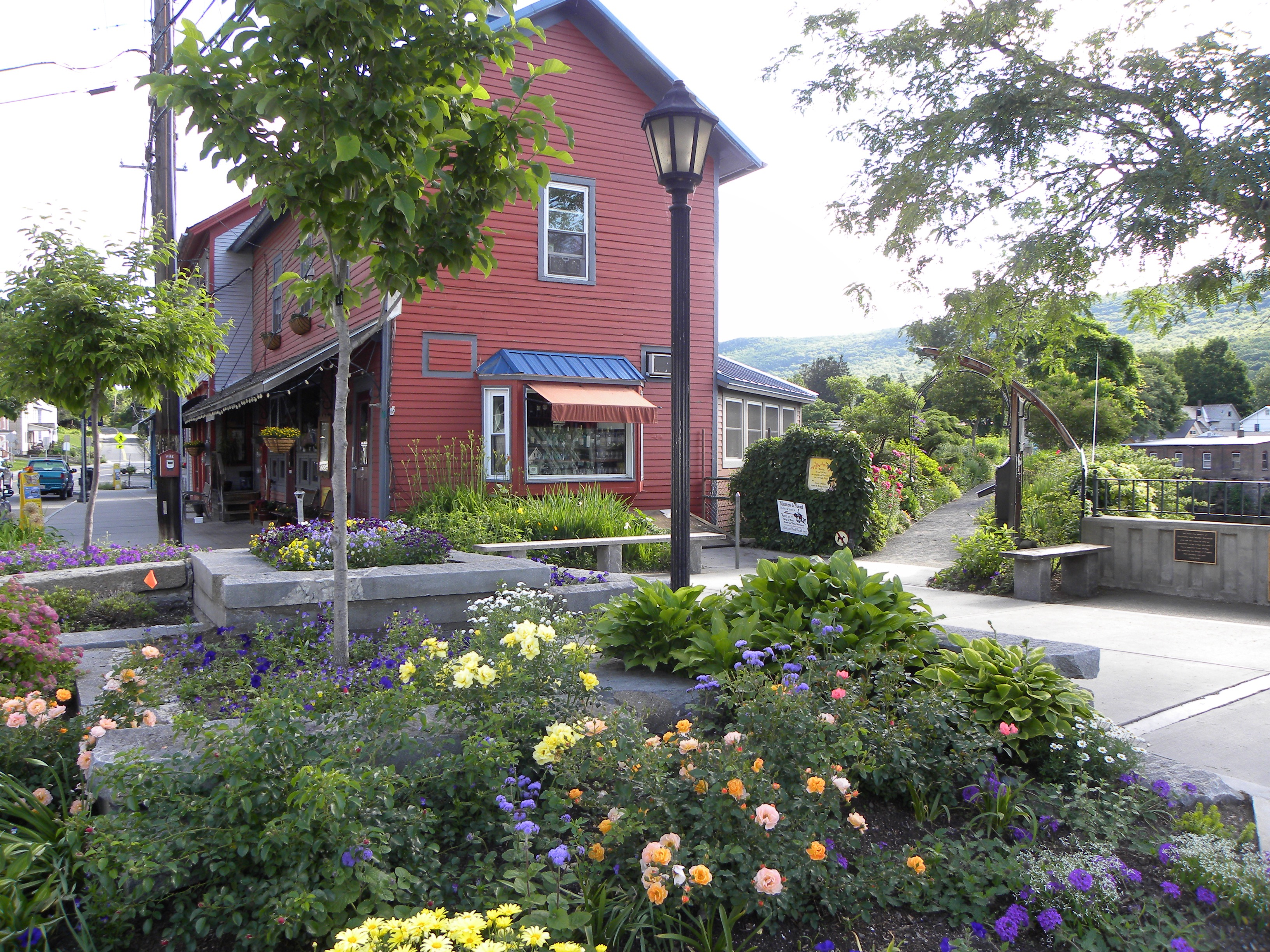 West end pub Shelburne falls massachusetts bridge of flowers