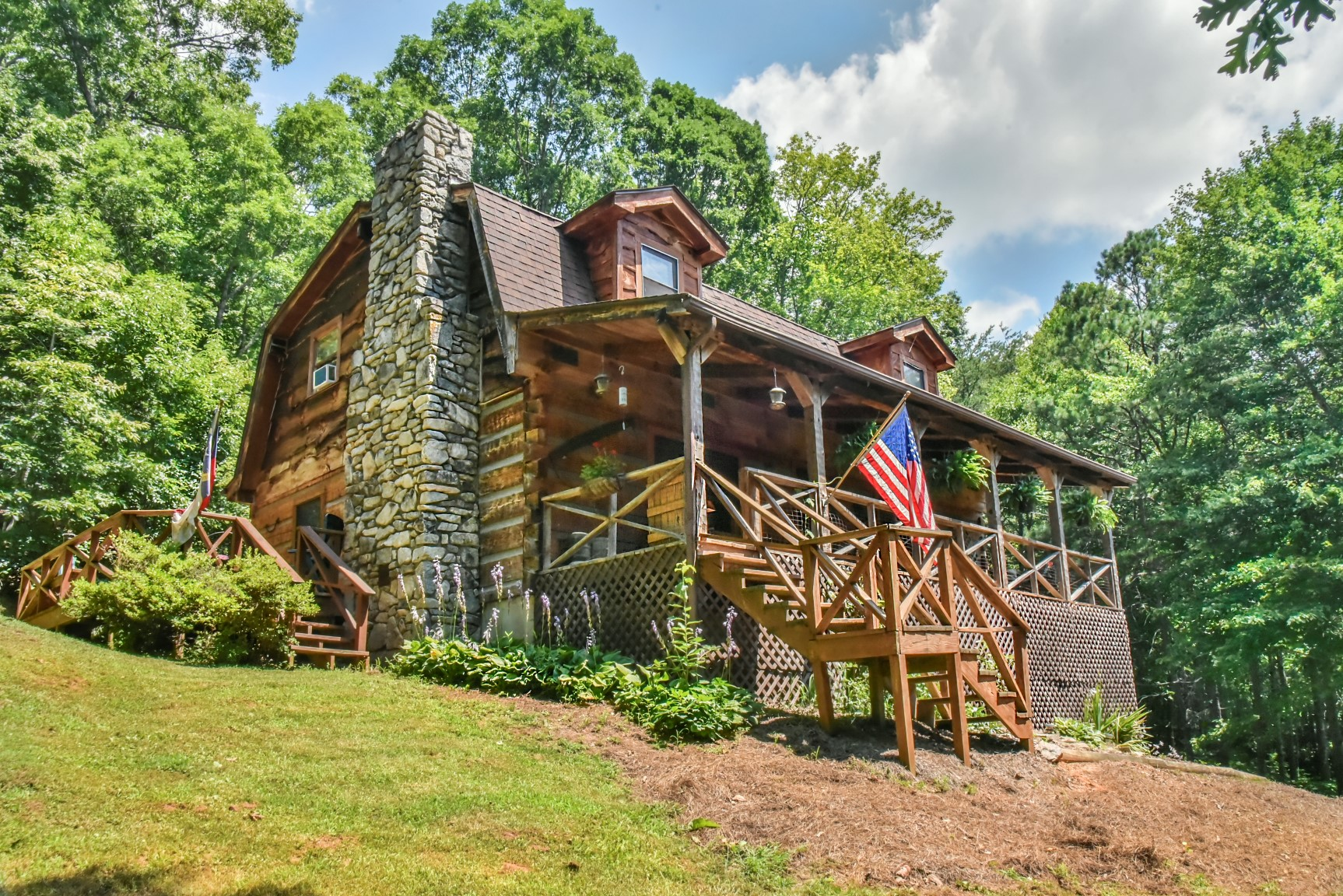 com large near cabins lake mountain in nc see cabin vrbo listing getaway bed en asheville