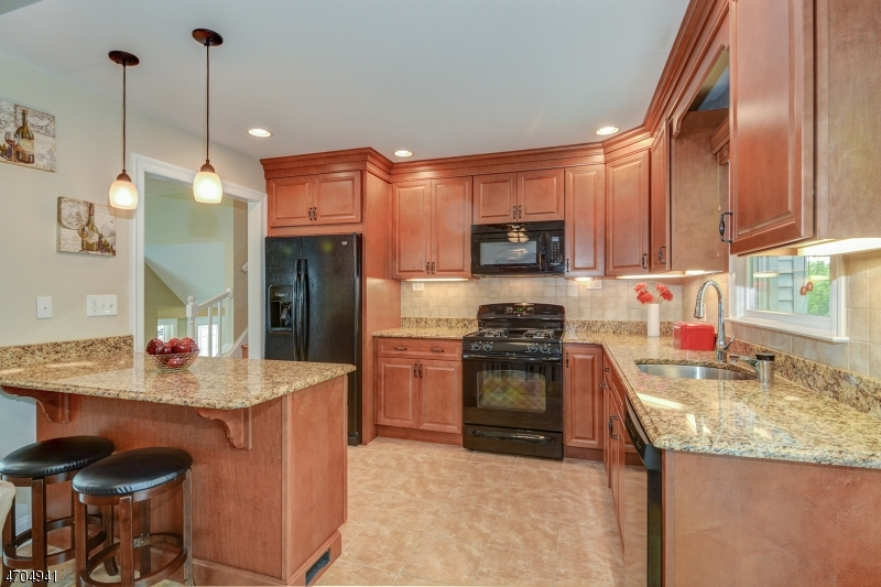 4 Hickory Rd Nutley - kitchen