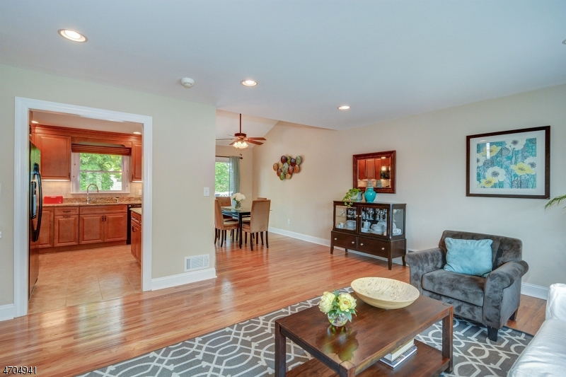 4 Hickory Rd Nutley - living room