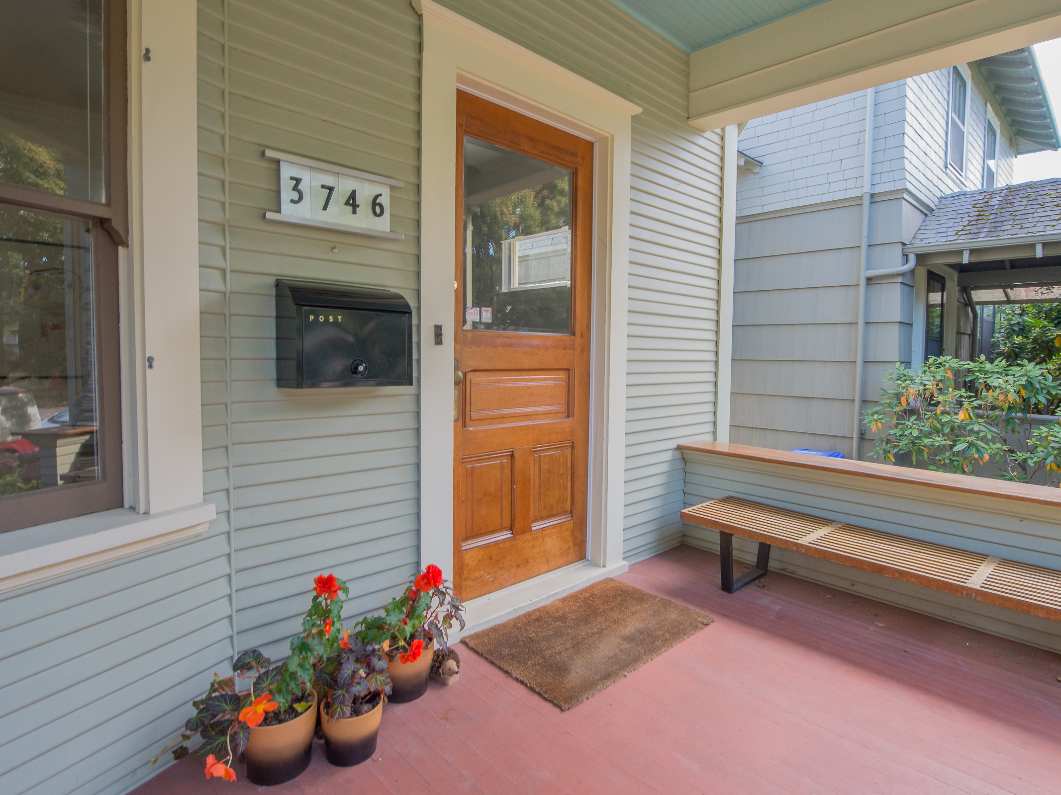 3746 SE Washington, Portland OR (click for details)
