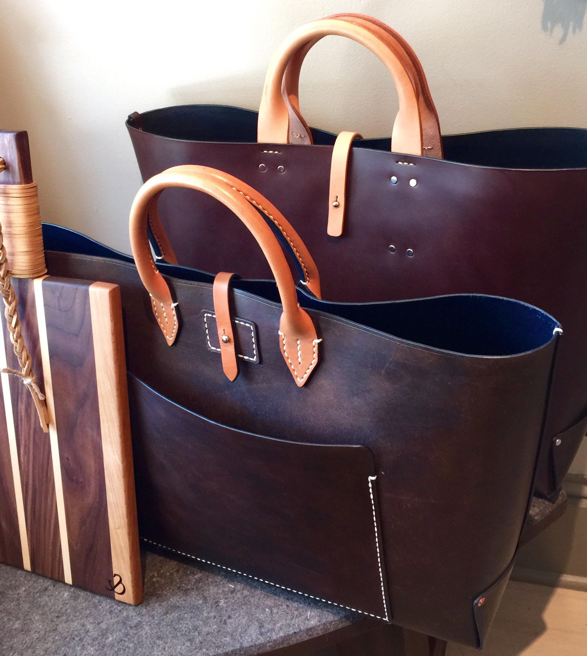064bc75c5622 The Perfect Holiday Gifts  KMR Presents Leitz Leather Luxury Goods
