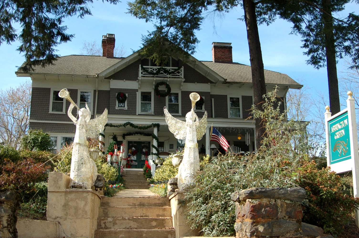 Montford Neighborhood Holiday Tour