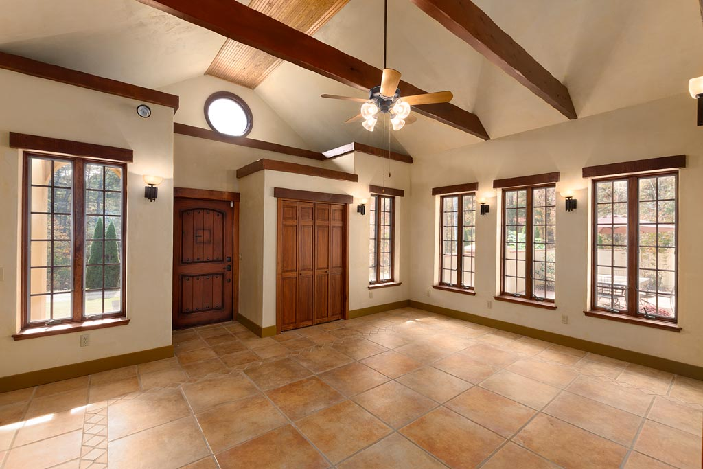 Great Room - Cathedral Ceiling - Exposed Rafter