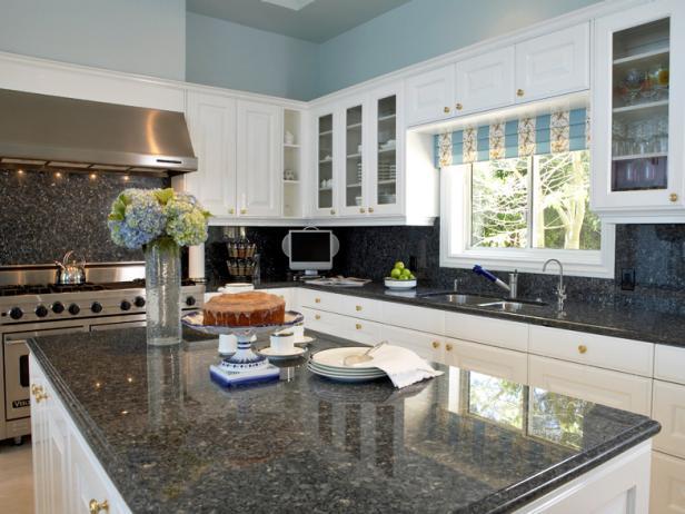Oversized Kitchen Island with Plenty of Space
