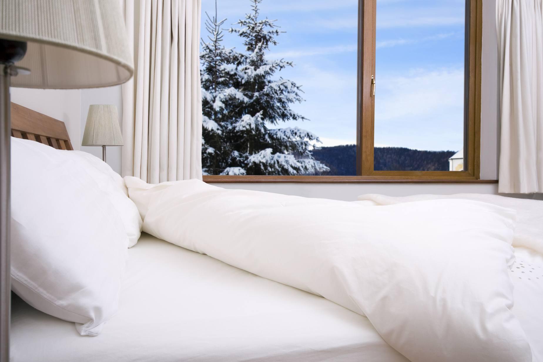 bedroom linens pillows