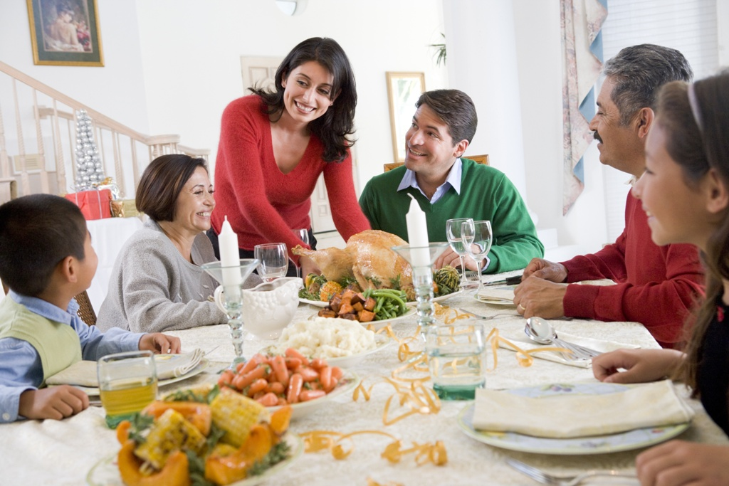 5 Tips for Holiday Hosting: Making your Guests Feel at Home