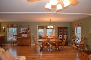 Bright & Open Floor Plan!