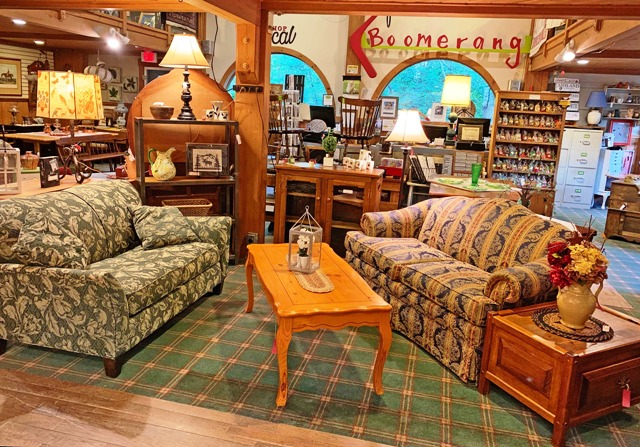 Boomerang Consignment and Funky Stuff