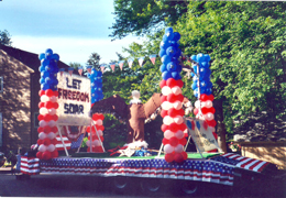Condon Realty Float 2006