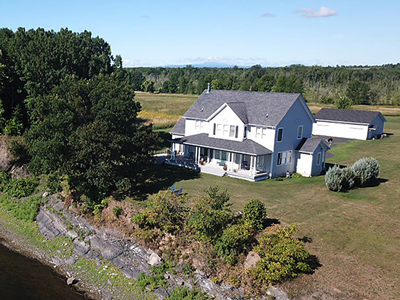 4 Bedroom Lakefront Colonial in Alburgh, Vermont