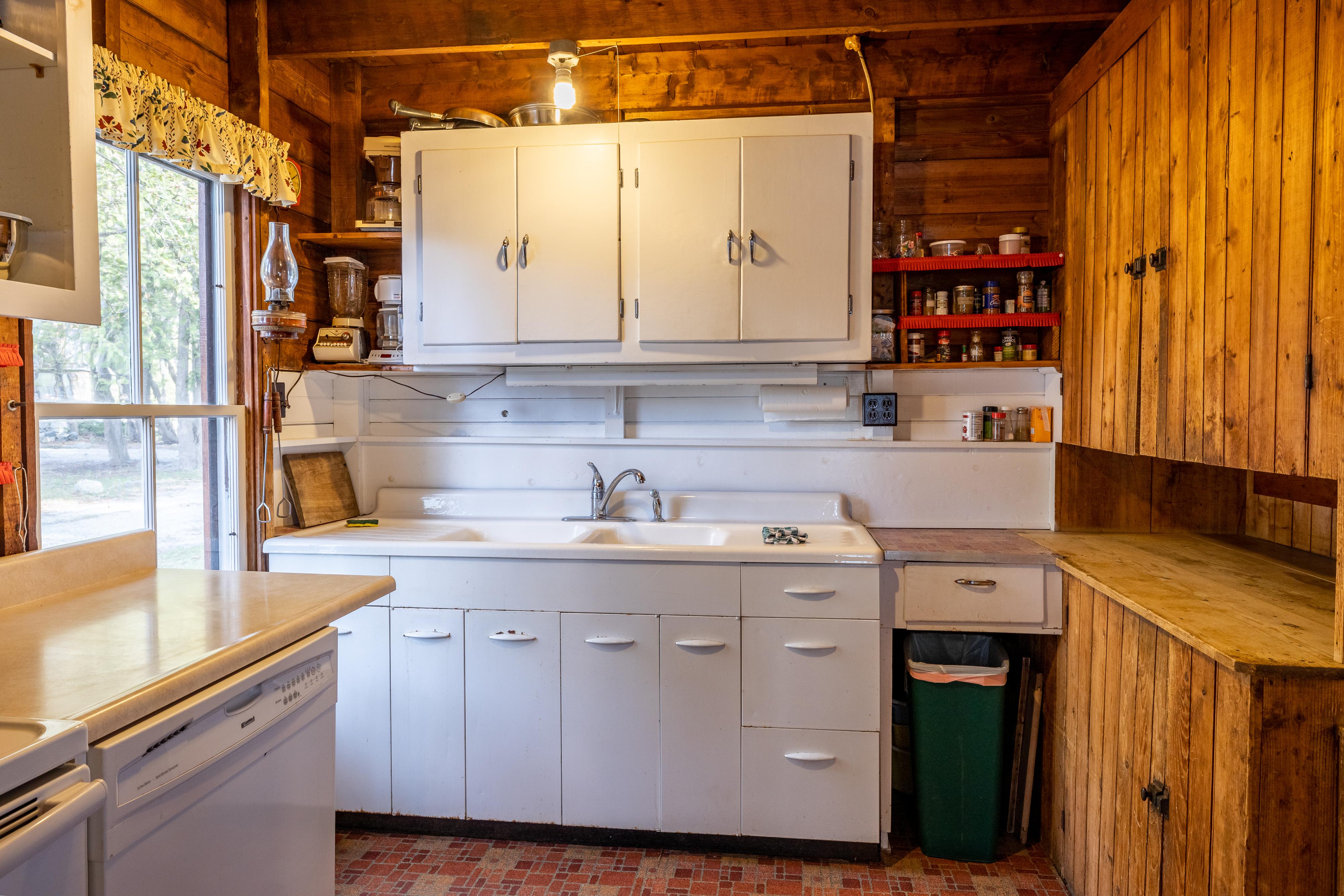 341 West Shore Road - Kitchen
