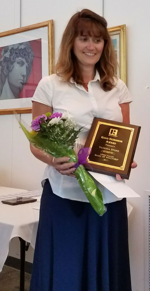 Vanessa Stone Accepts Good Neighbor Award - Upper Valley NH Real Estate