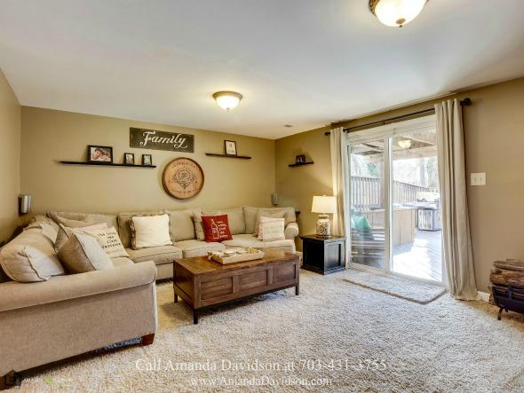 Townhouses in Alexandria VA - Comfort, elegance and space merge in this Alexandria VA townhouse for sale.