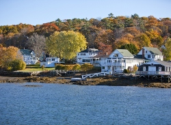Waterfront Homes in New England
