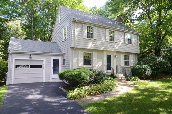 17 Roberts Road, Wellesley, MA
