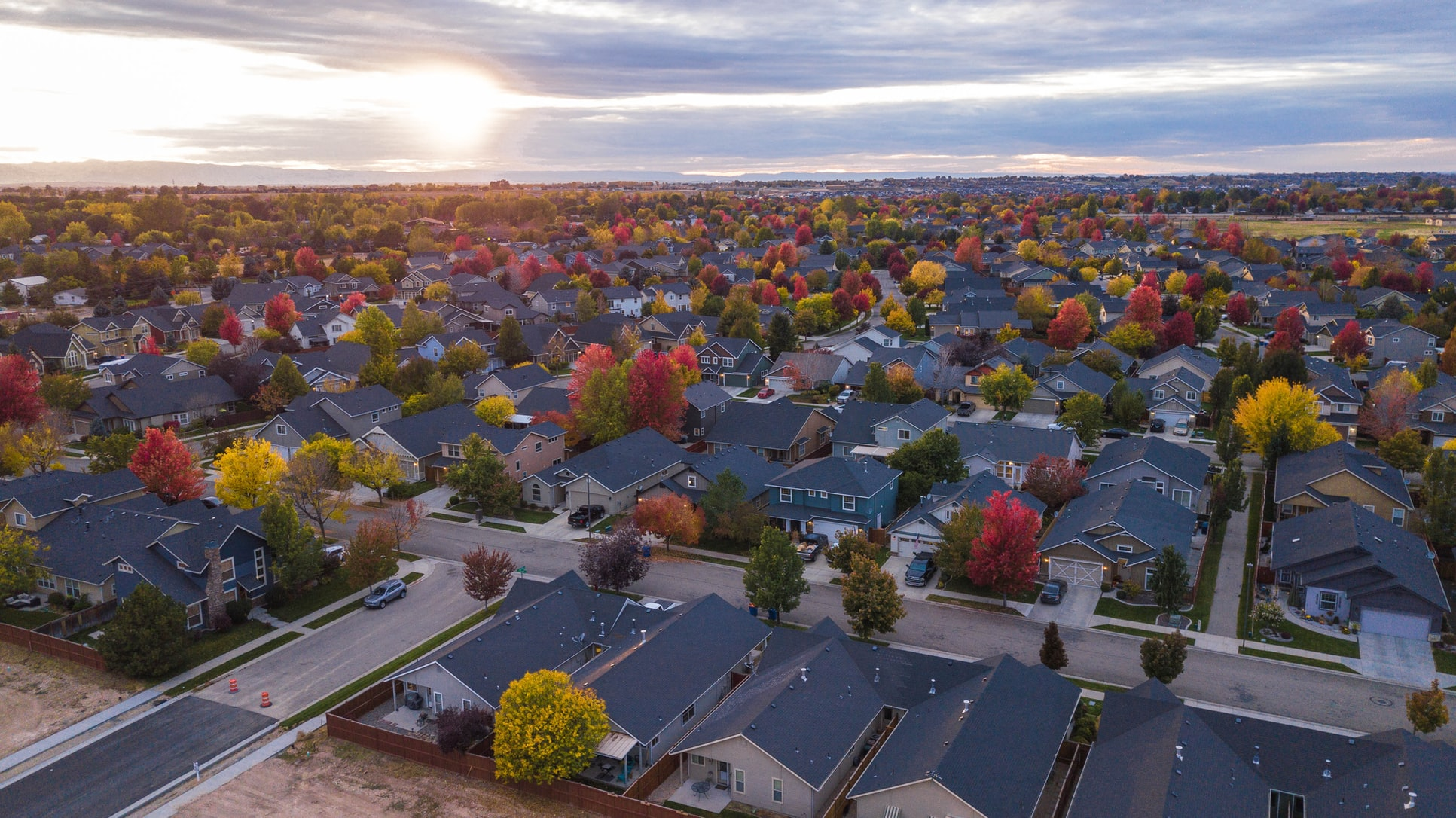 Pros and Cons of Homeowner's Associations