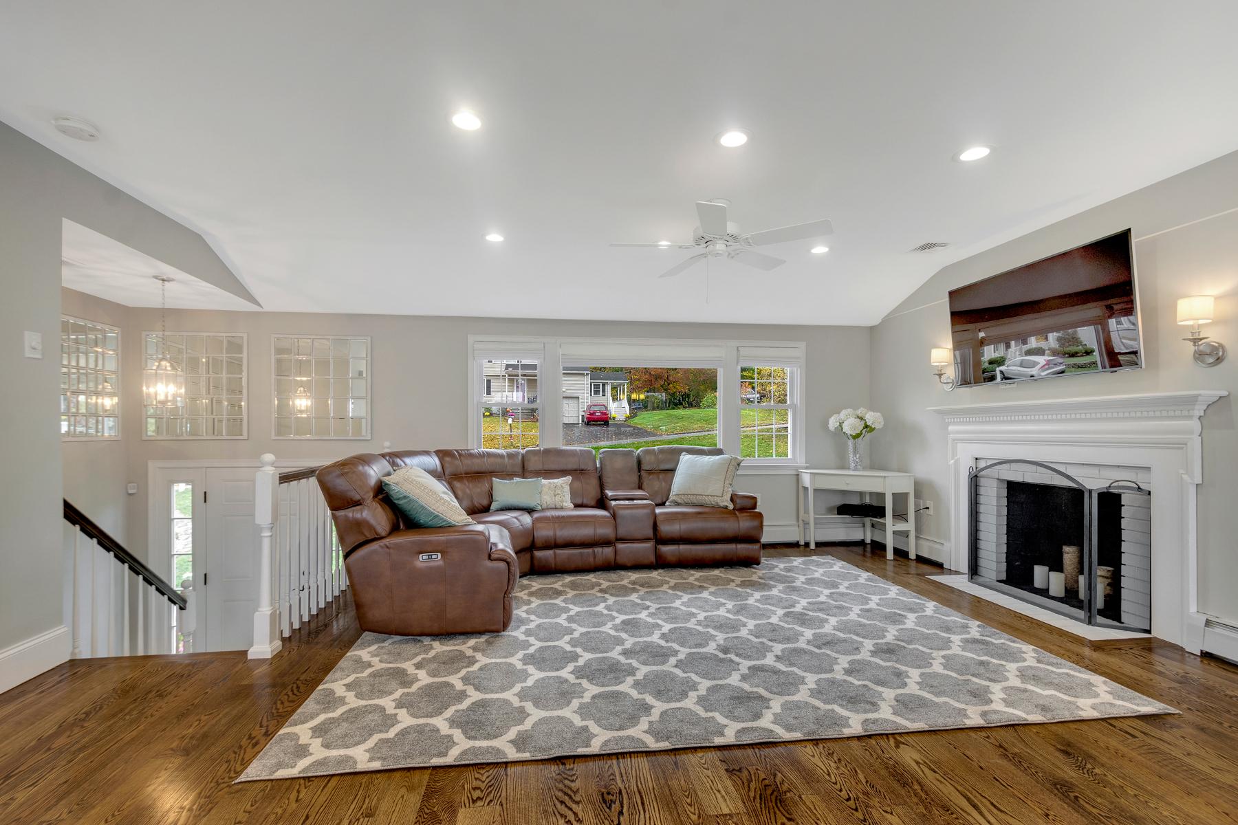 47 Thornbery Road - Living Room