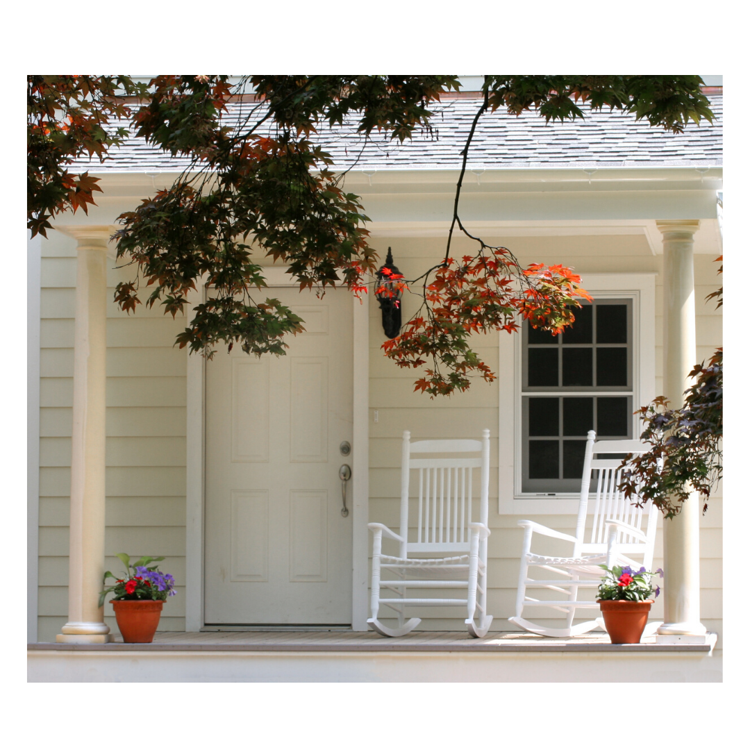 Outdoor patio chairs to upgrade curb appeal