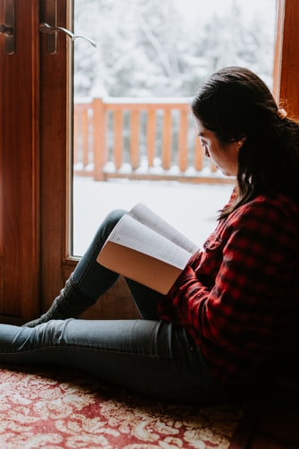 winter reading cozy