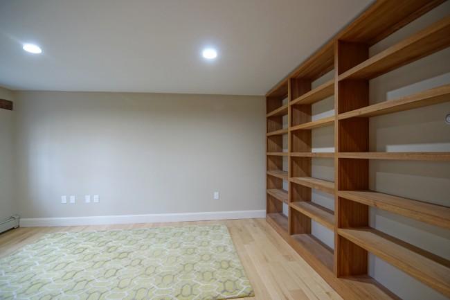 17 Newfields Road Builtin Shelves