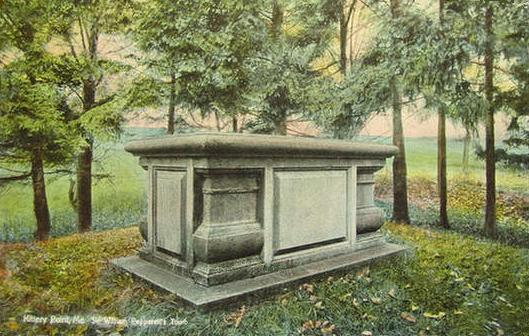 Sir_William_Pepperrell's_Tomb,_Kittery_Point,_ME