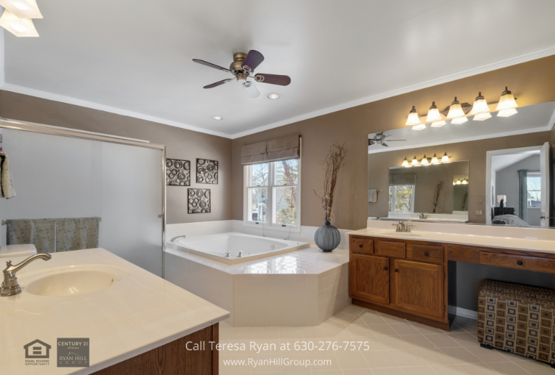 West Dundee IL home- Experience the best of pampering in the master bath of this West Dundee IL home.