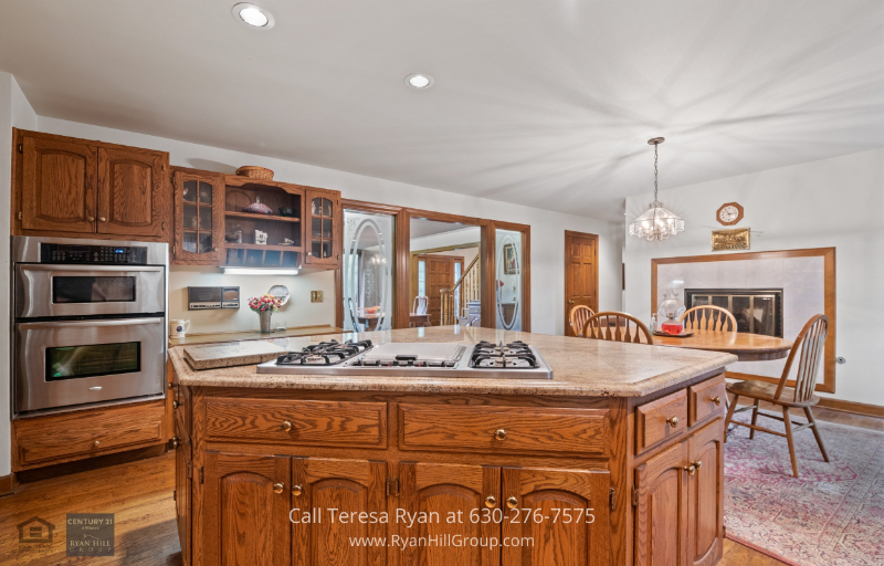 Winfield, IL property - Enjoy cooking in your own Winfield, IL gourmet kitchen fully equipped with stainless steel appliances