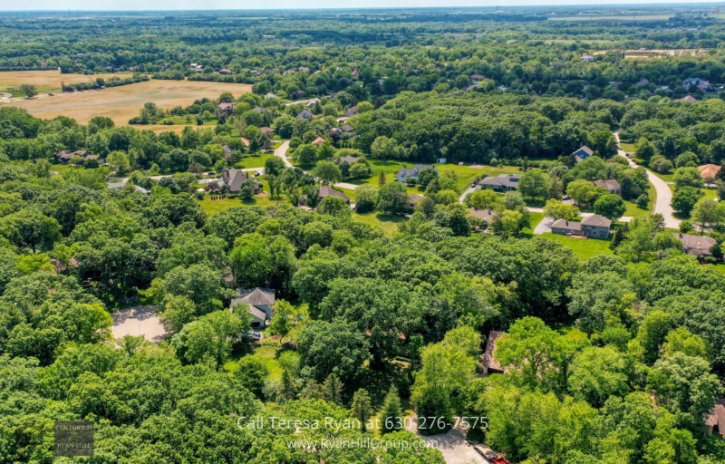 Winfield, IL real estate for sale - Be part of this serene neighborhood in Winfield, IL and enjoy various community amenities, like nearby Cantigny Park with a golf course, dining, gardens and more.
