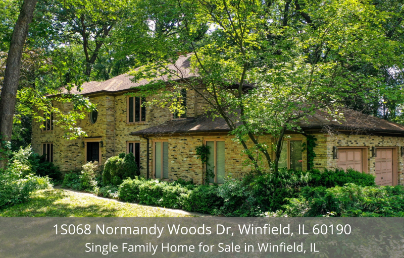 Winfield, IL home for sale - Live in the quaint neighborhood of Winfield, IL in this beautiful brick-front home