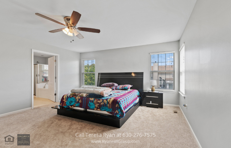 Bolingbrook IL homes for sale - Experience cozy nights in this home for sale in Bolingbrook, IL.