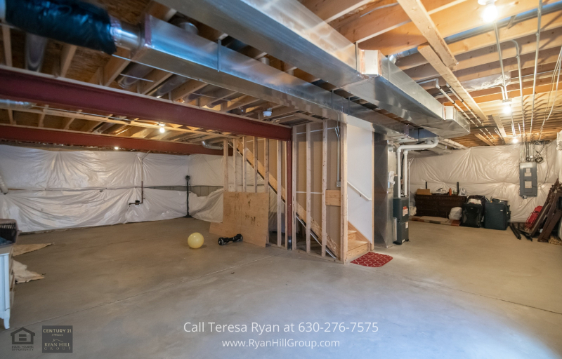 Single-Family Homes for sale in Bolingbrook IL - Customize the unfinished basement into a playroom, extra living space or entertainment area.