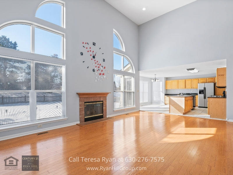 Algonquin IL real estate- The best way to end the day is to relax in the cozy family room of this Algonquin IL home for sale.