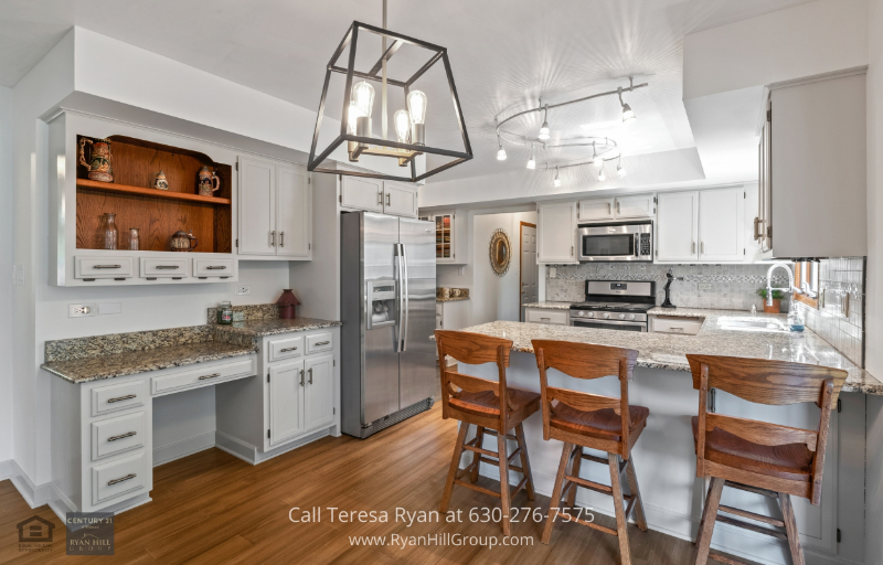 Naperville IL Real Estate for Sale - Cook in the beautifully-designed kitchen of this Naperville IL home.