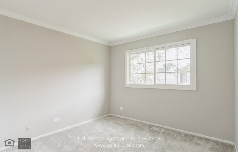 Homes for sale Aurora IL - In this Aurora Homes for sale, you may enjoy the simple joys of life.