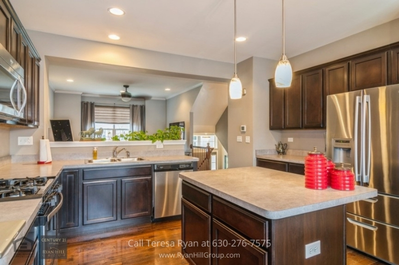 Naperville IL Townhome for Sale - Kitchen