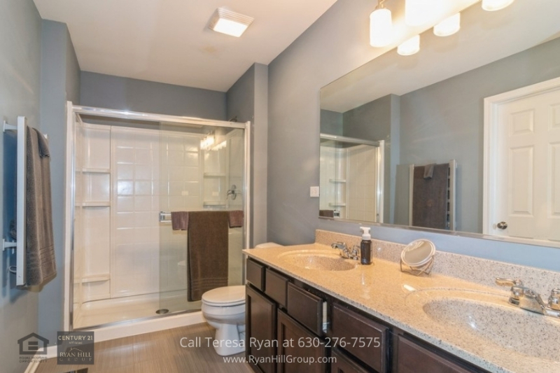 Homes for sale in Naperville, IL - Featuring its very own laundry room and 2 bedrooms with full bathrooms, you can enjoy the amenities of this Naperville, IL home for sale
