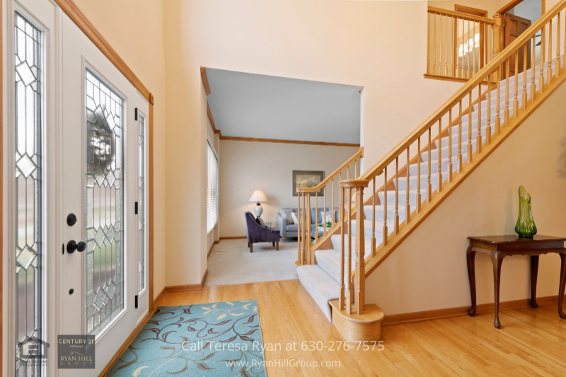 Home for sale in Naperville IL- Feel right at home as soon as you step inside this gorgeous Naperville IL home.