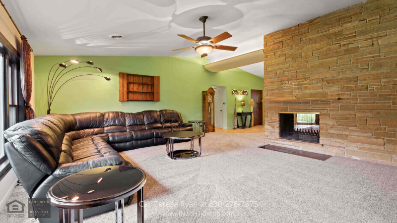 Bensenville, IL home for sale - This home for sale in Bensenville, IL could be your dream home