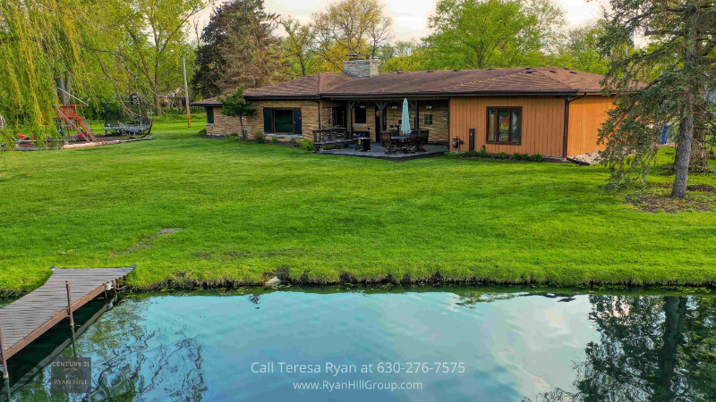 Home in Bensenville, IL - Maximize this huge backyard space and plan your own outdoor activity in this house for sale in Bensenville, IL