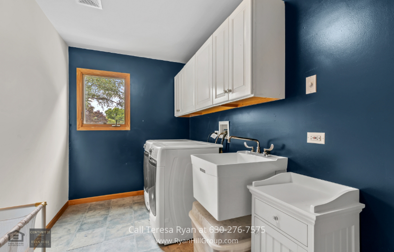 Warrenville IL Real Estate Properties for Sale - Take advantage of the laundry room in this property for sale in Warrenville IL with a newly-installed Maytag Commercial Technology Full-sized Washer and Dryer