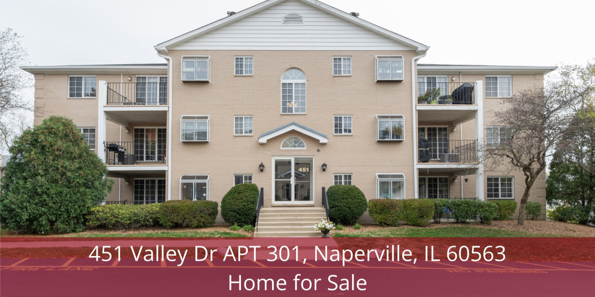 Naperville IL home for sale- This Naperville IL home delivers the ultimate in comfort and privacy.