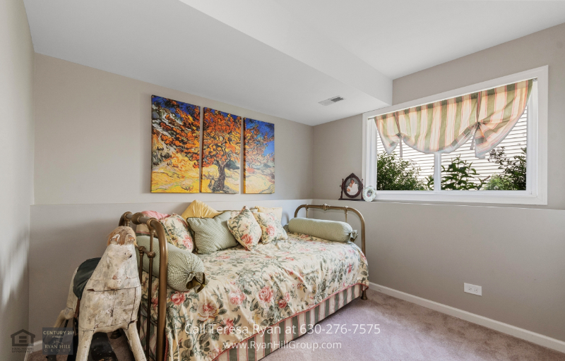 Homes for Sale in North Aurora IL - Second Bedroom