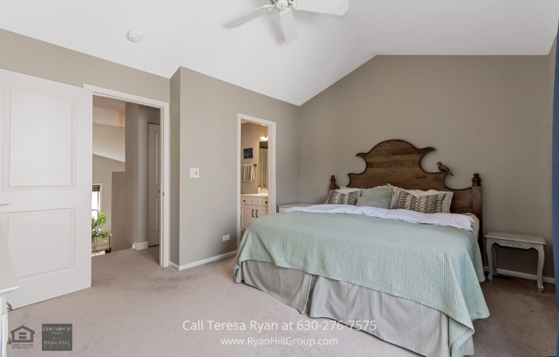 North Aurora, IL real estate - Spend restful nights in the master bedroom of this North Aurora, IL real estate